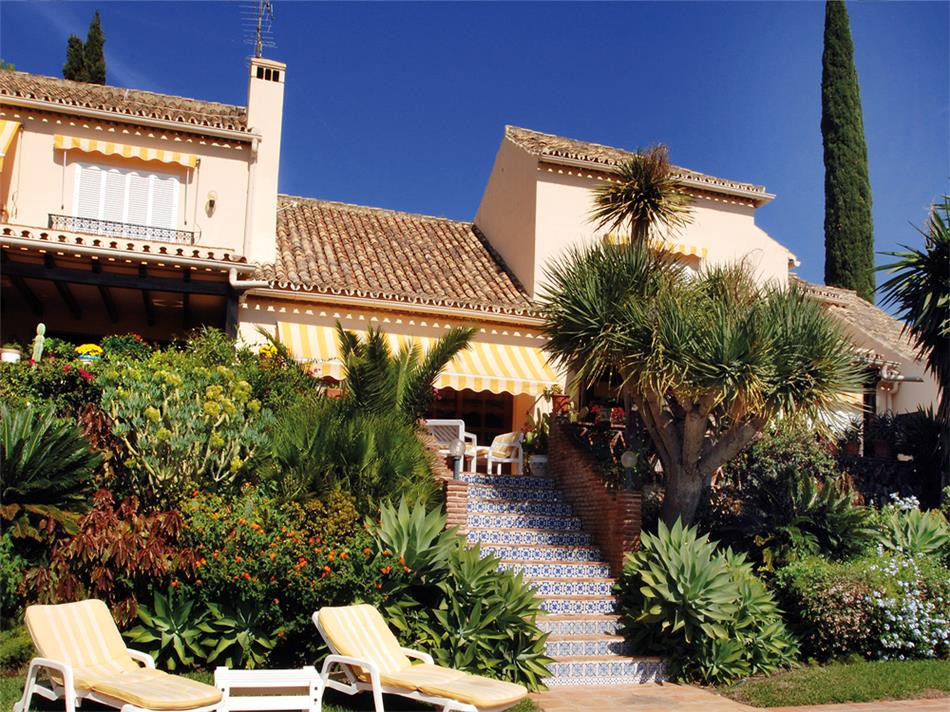 ARFV1639 - Grosse Villa zu verkaufen in El Paraiso Alto in Benahavis