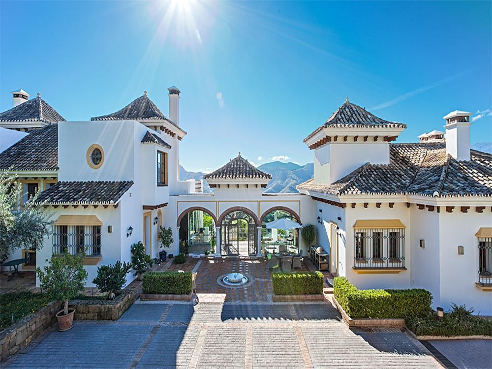 ARFV1716 - Hochherrschaftliche Villa zu verkaufen in La Zagaleta in Benahavis