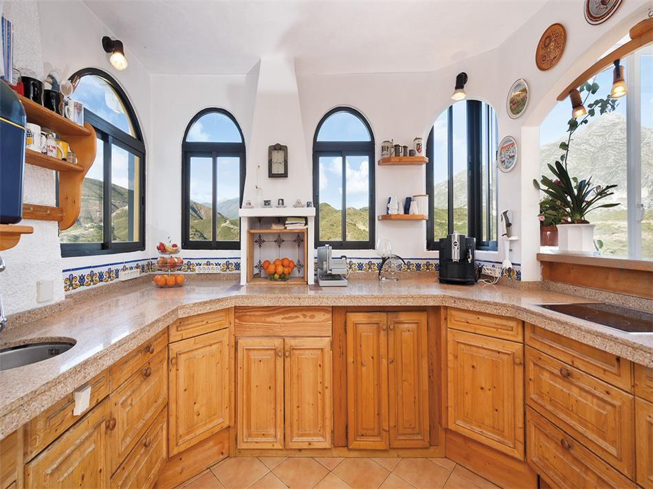 Photo: Villa in Nueva Andalucia