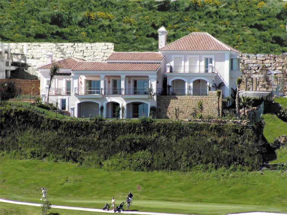 ARFV1666-1 - Möblierte Villa zu verkaufen in La Alqueria in Benahavis