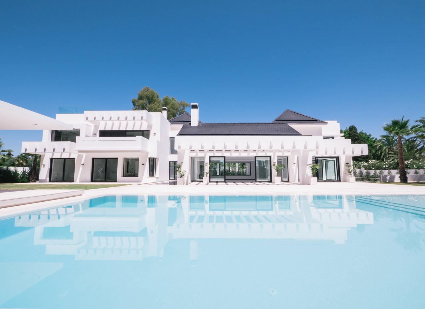 ARFV1861 - Fantastische luxuriöse, moderne Villa  zum Verkauf in Guadalmina Baja