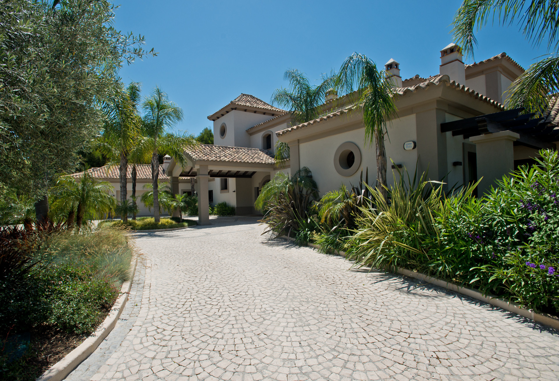 ARFV1941 - Hochherrschaftliche Villa mit Panoramablick zu verkaufen in La Zagaleta in Benahavis