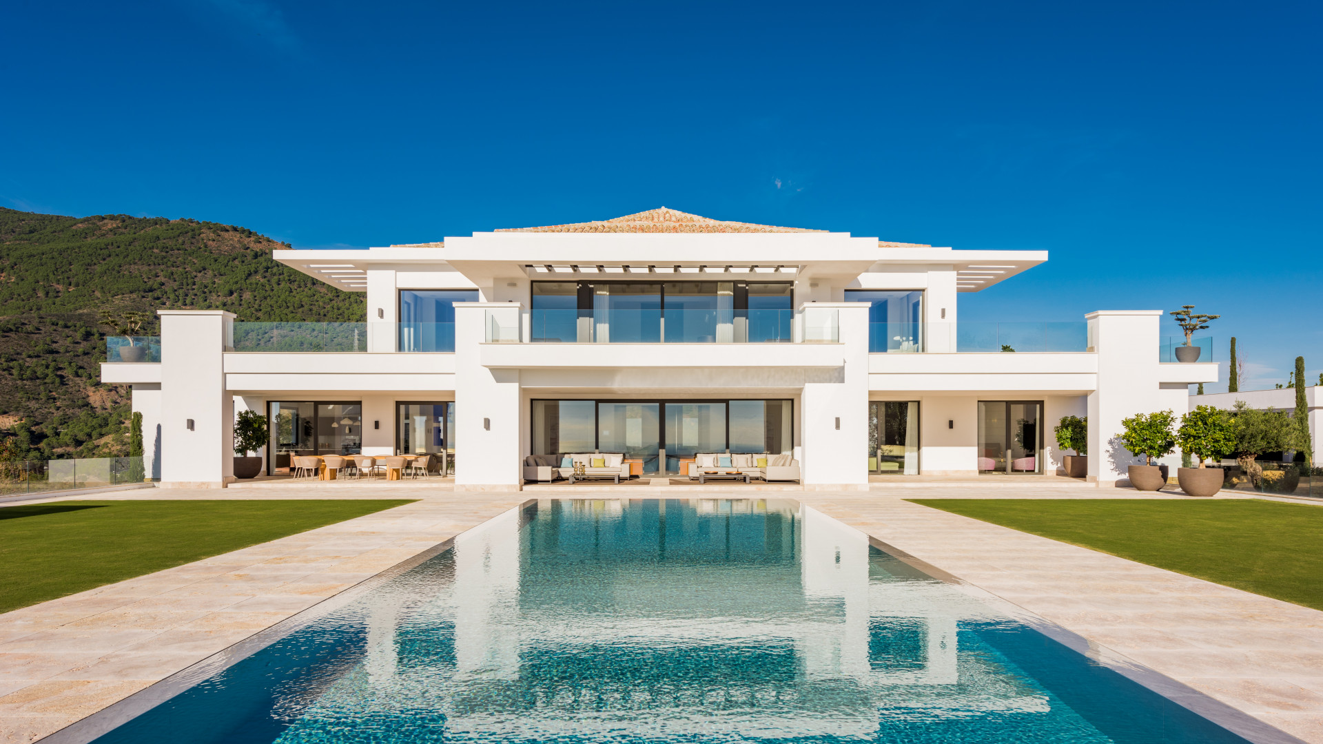 ARFV2098 - Villa der Superlative zu verkaufen in La Zagaleta in Benahavis