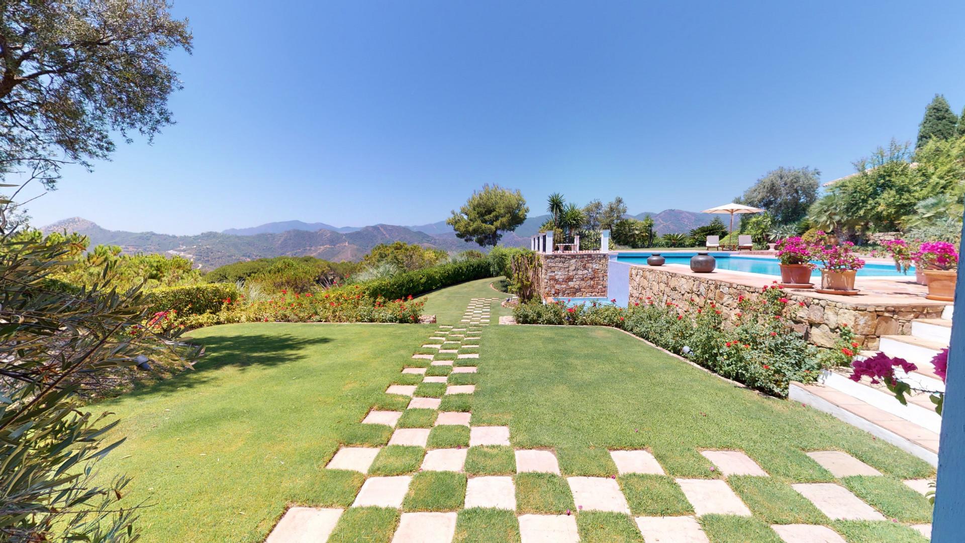 ARFV2172 - Möblierte Villa im Landhaus Stil in Bestlage von La Zagaleta