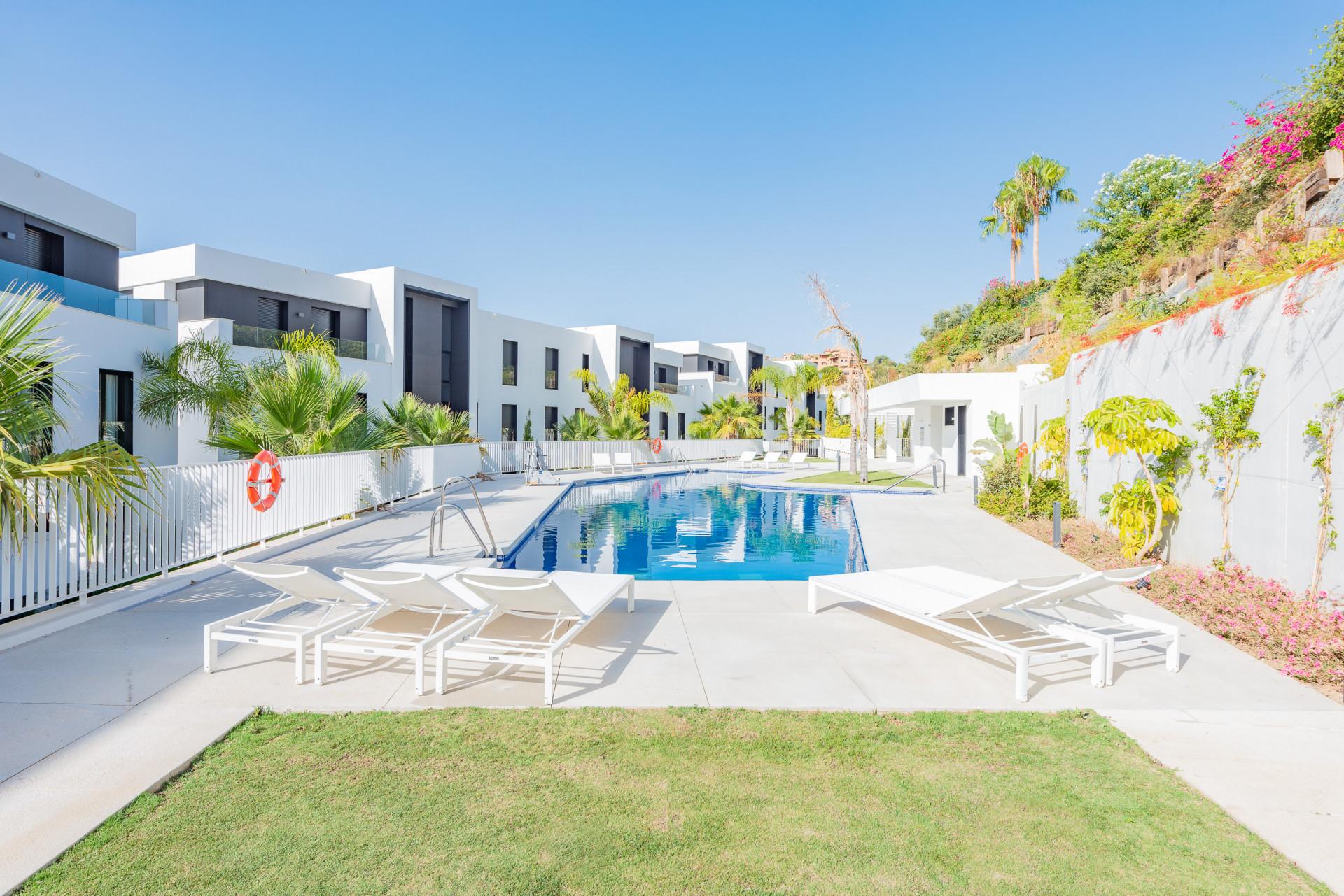 ARFA1398 - Wunderschöne Wohnung mit Meerblick zum Verkauf in Nueva Andalucia in Marbella
