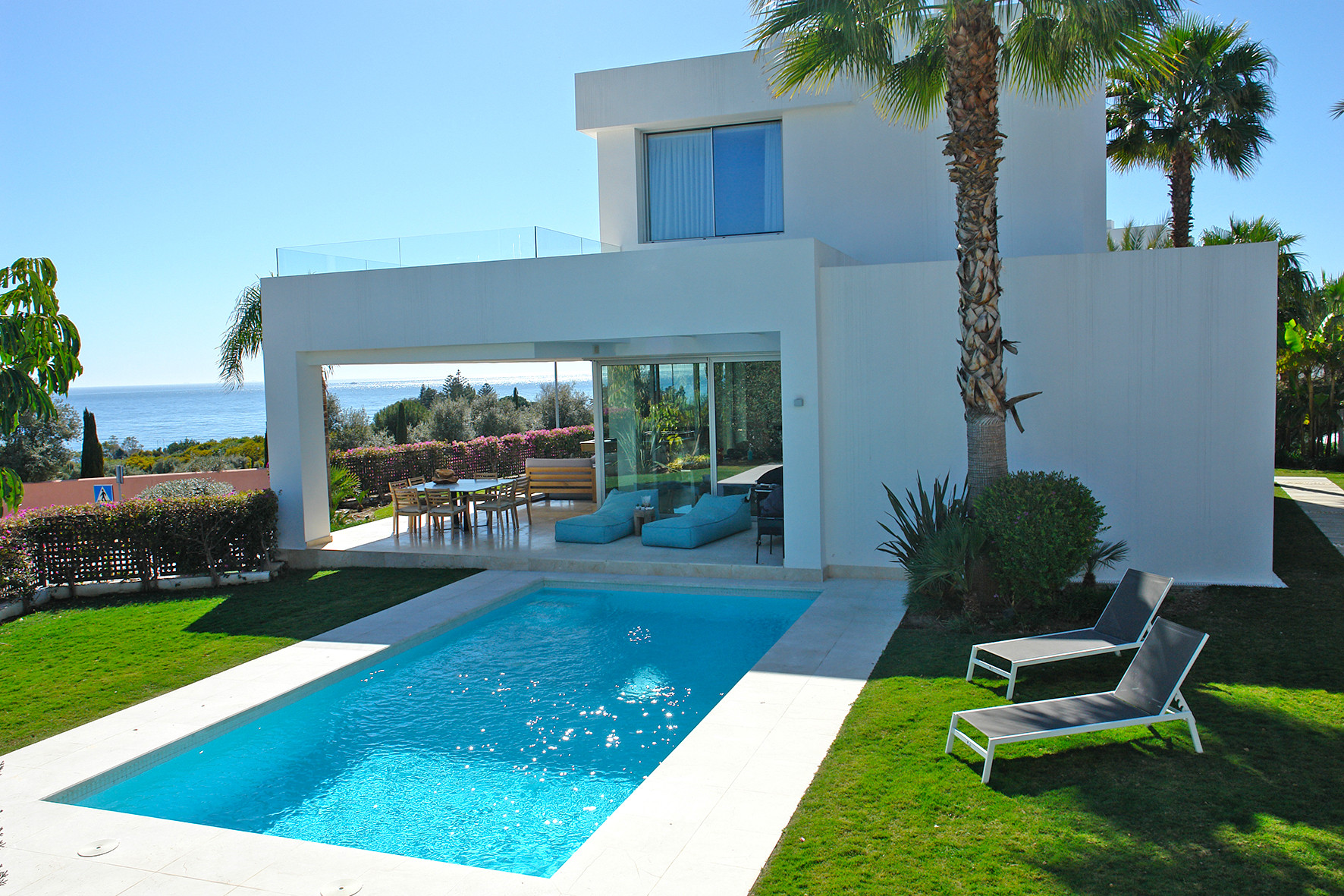 ARFV2157 - Neue modere V zum Verkauf in La Finca de Marbella, Marbella