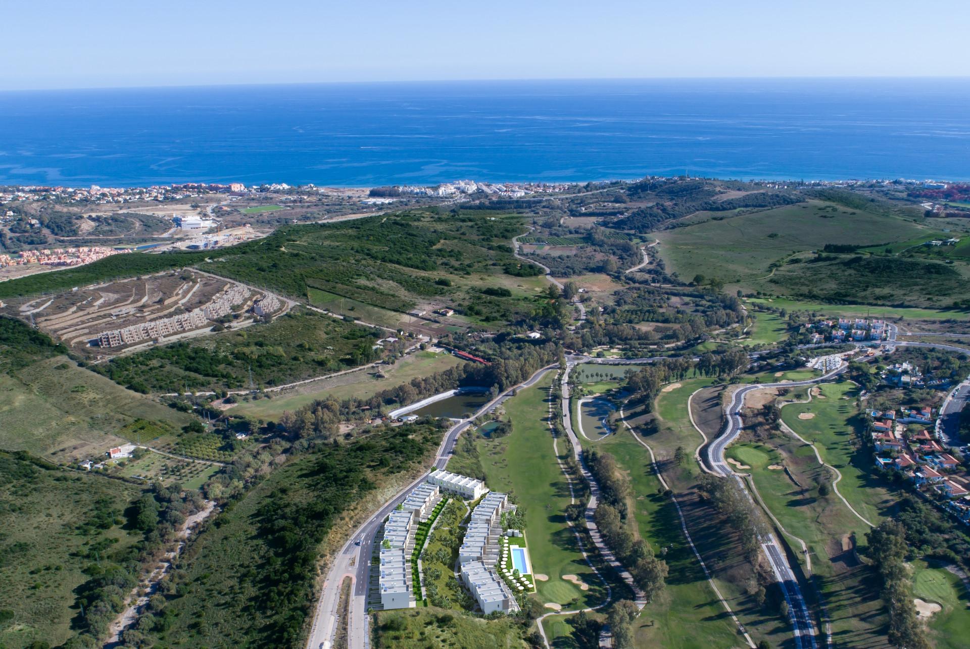ARFTH133 - 48 Reihenhäuser zu verkaufen bei Estepona Golf