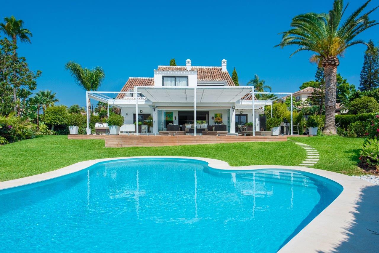 ARFV2002 - Luxuriöse Villa zum Verkauf in El Rosario in Marbella