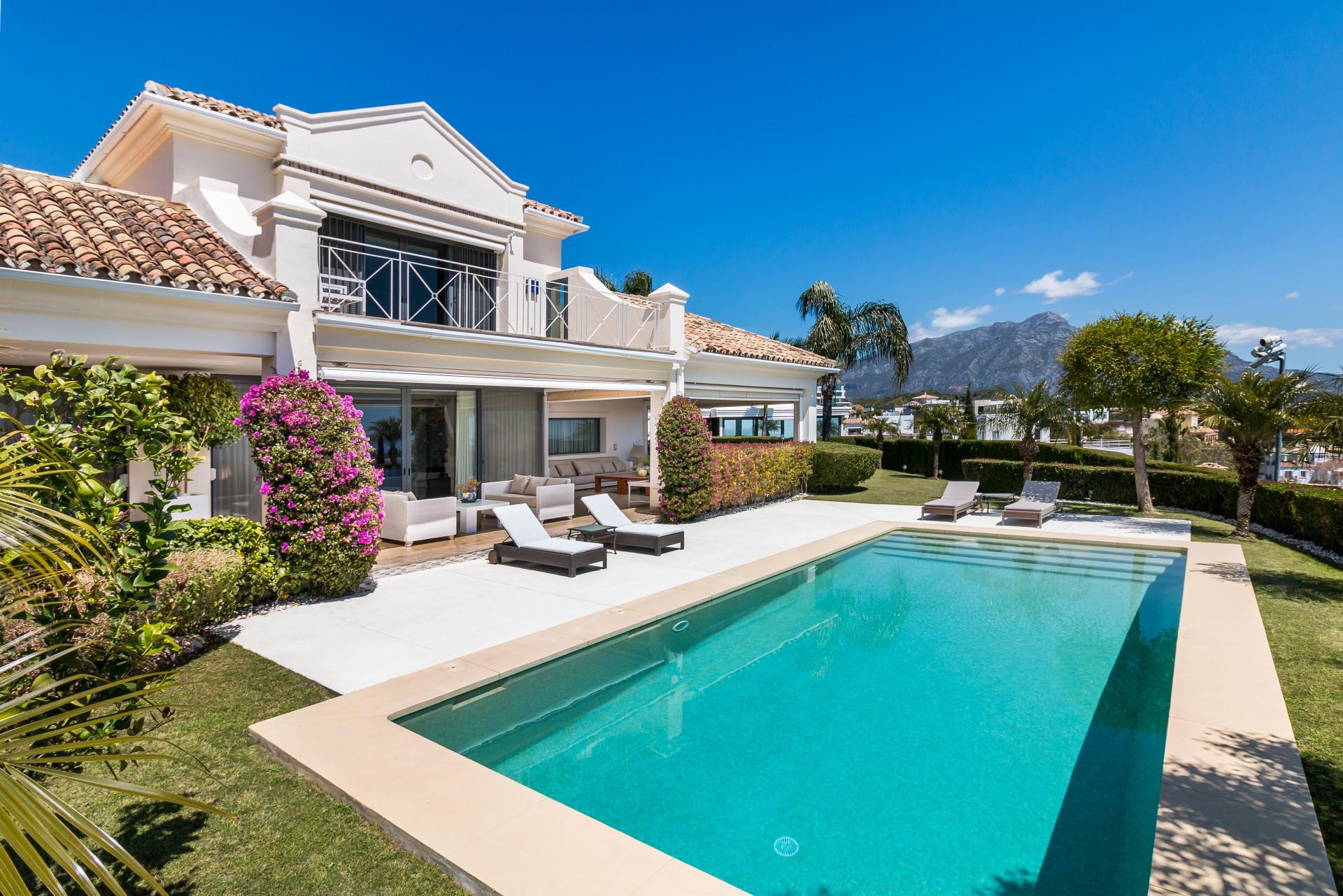 ARFV2061 - Renovierte Villa mit Panorama Meerblick zu verkaufen in La Quinta