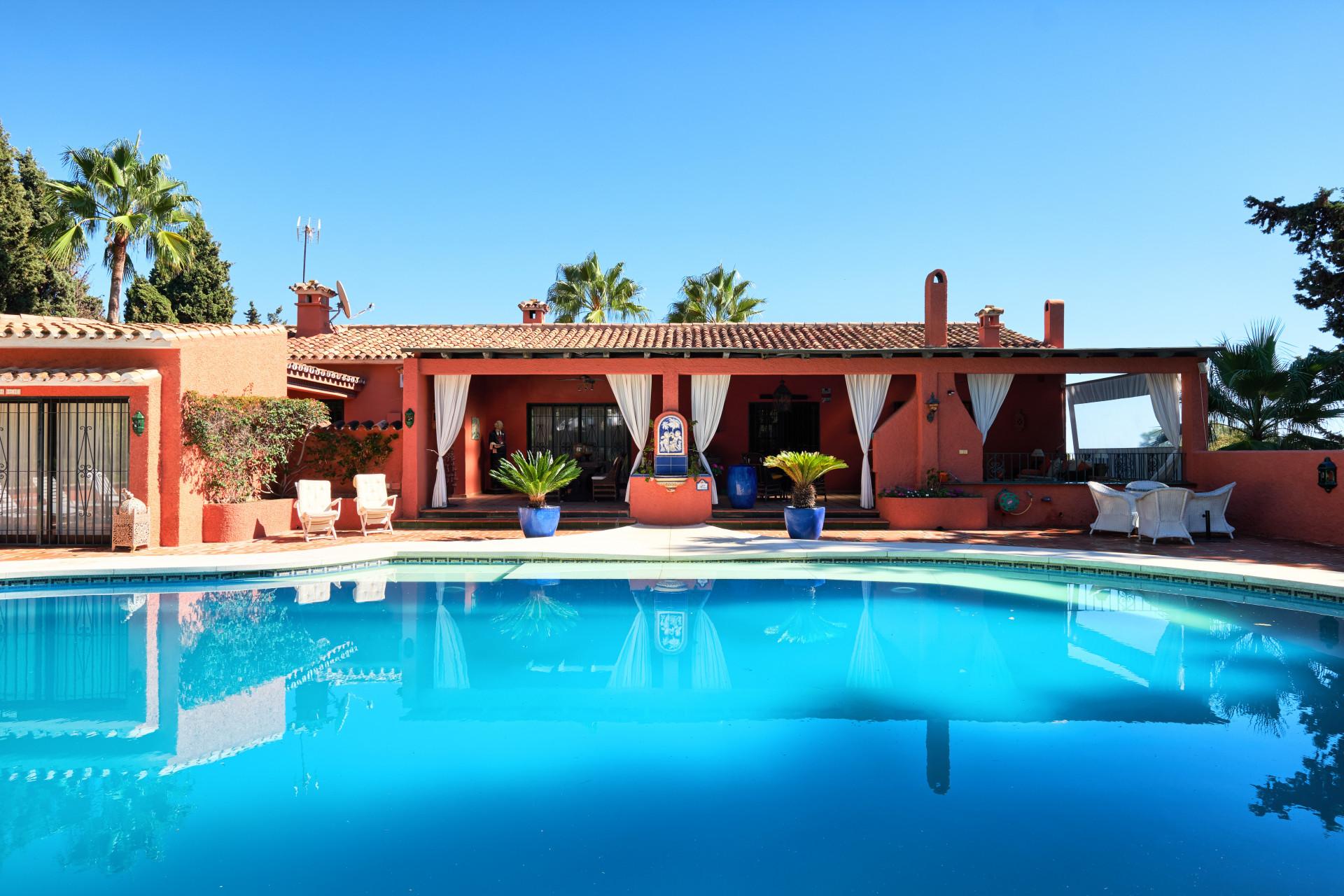 ARFV2027-255 - Super Investion - Charmante Villa  zum Verkauf an der Goldenen Meile in Marbella