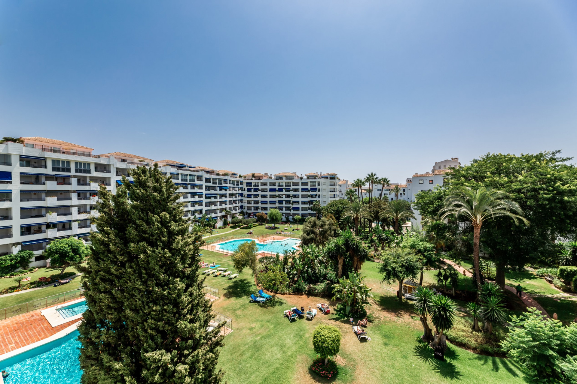 ARFA1440-1 Traumhafte 3 Schlafzimmer Wohnung in Jardines del Puerto in Puerto Banus ? Marbella