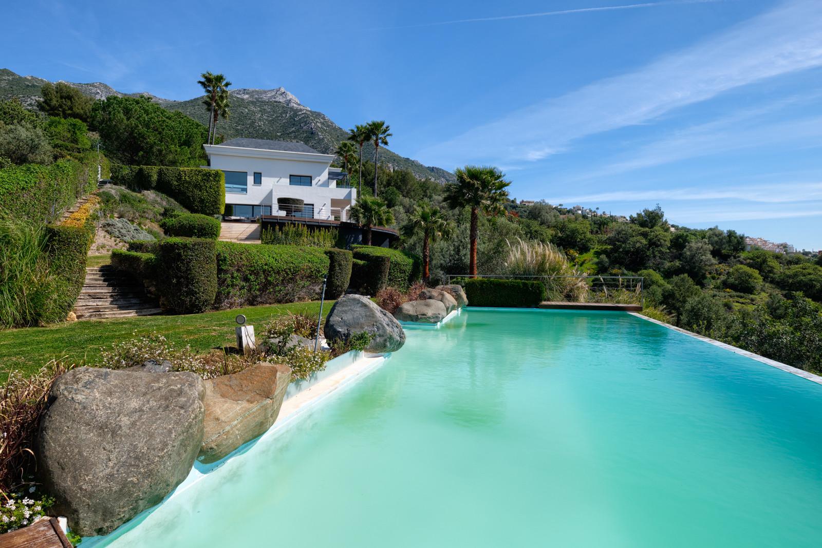 ARFV2206-379 Villa mit spektakulärem Blick auf den See von Istán