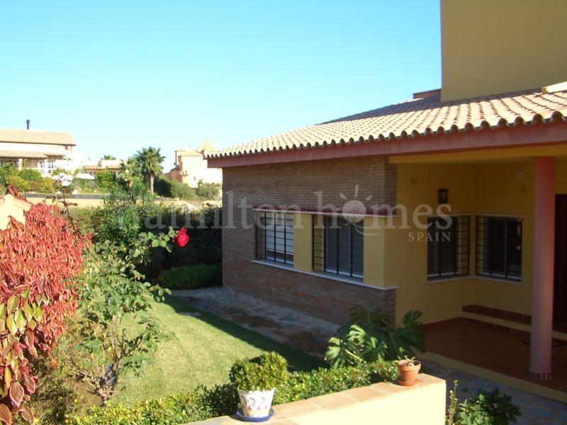 Villa in Alcaidesa Costa, Alcaidesa