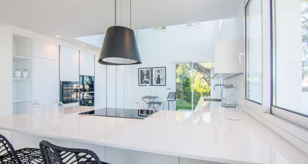 Spectacular Modern Villa For Sale With Sea & Mountain Views Located In Marbella East