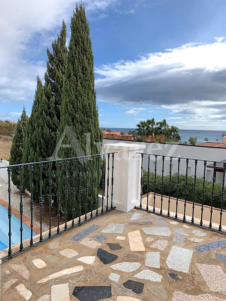 Villa in Arena Beach, Estepona
