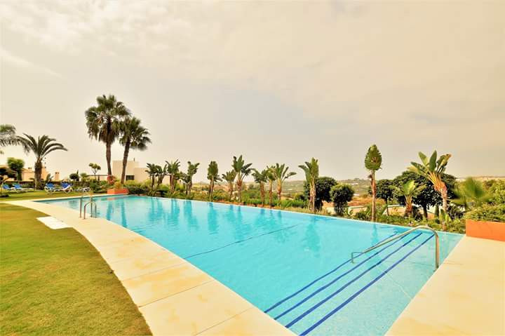 Ground Floor Apartment for rent in <i>Los Flamingos Golf, </i>Benahavis