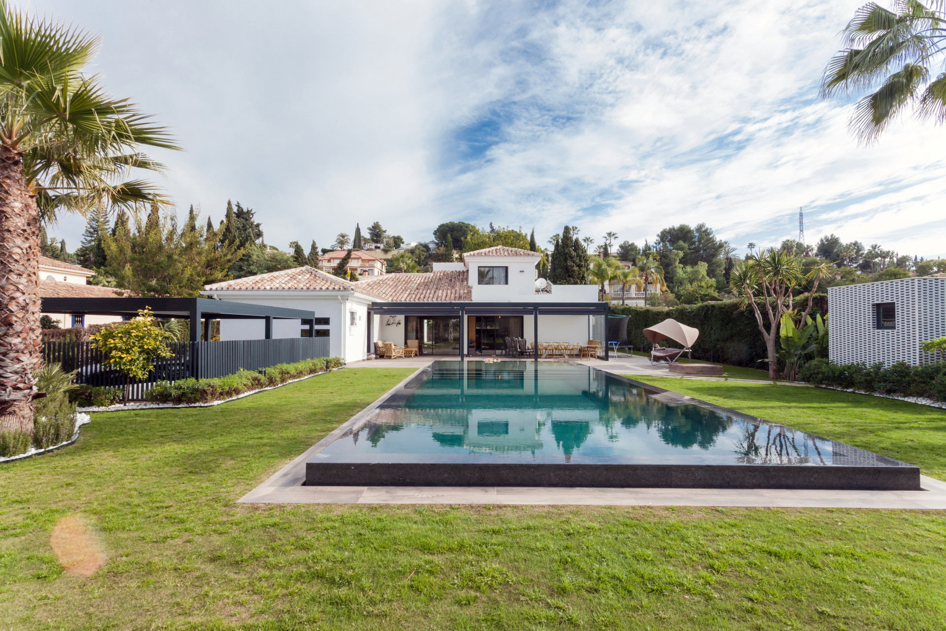 A paradise villa in the heart of the Costa del Sol in Estepona
