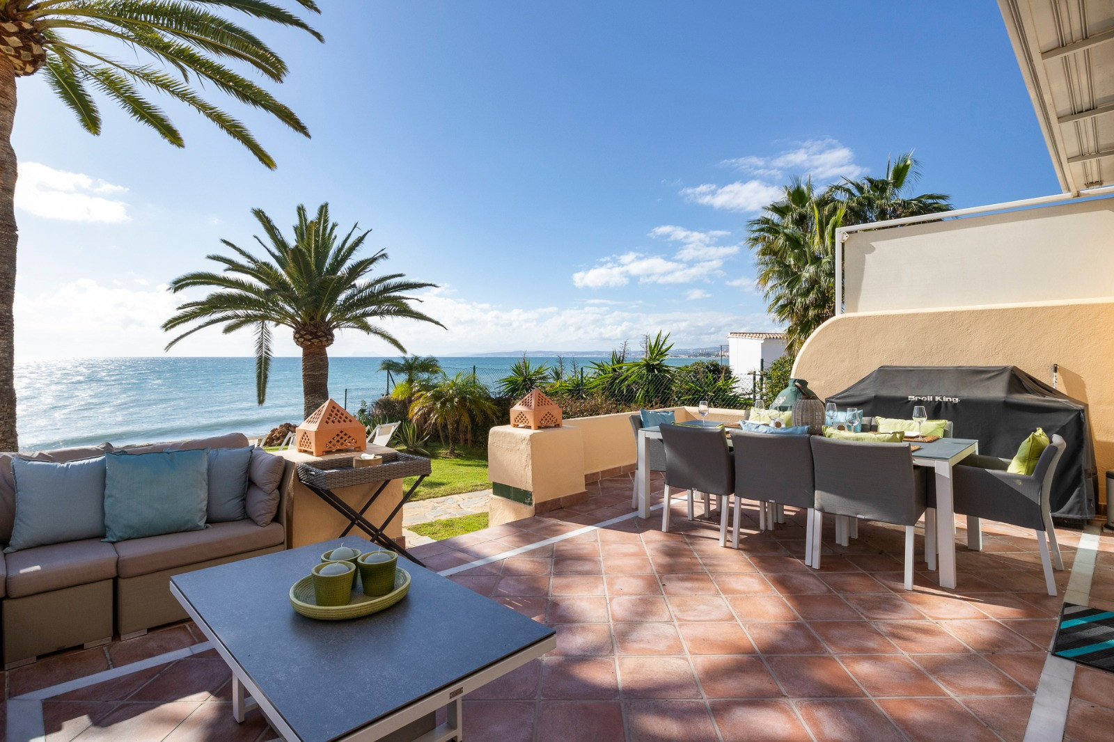 Semi Detached House for rent in <i>, </i>Estepona