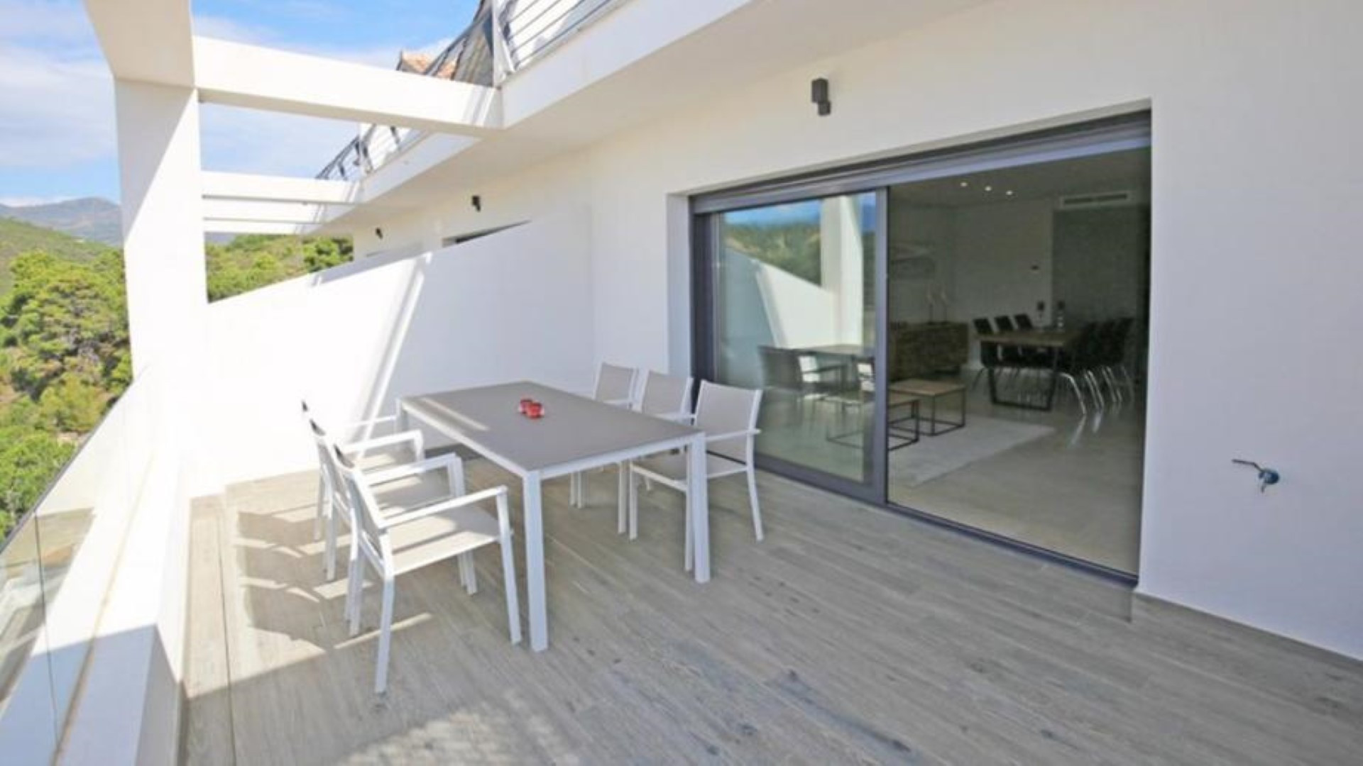 Nice duplex penthouse with panoramic views and fully furnished in Estepona