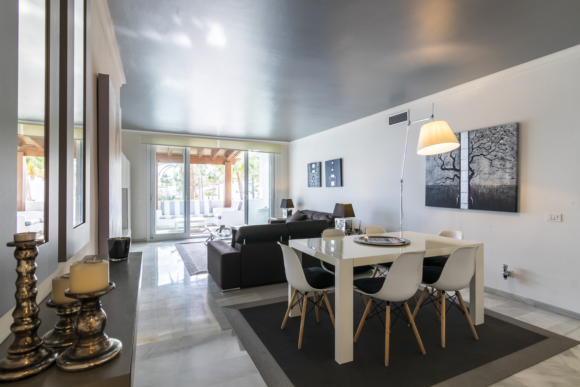 Renovated duplex penthouse in frontline beach complex in Estepona