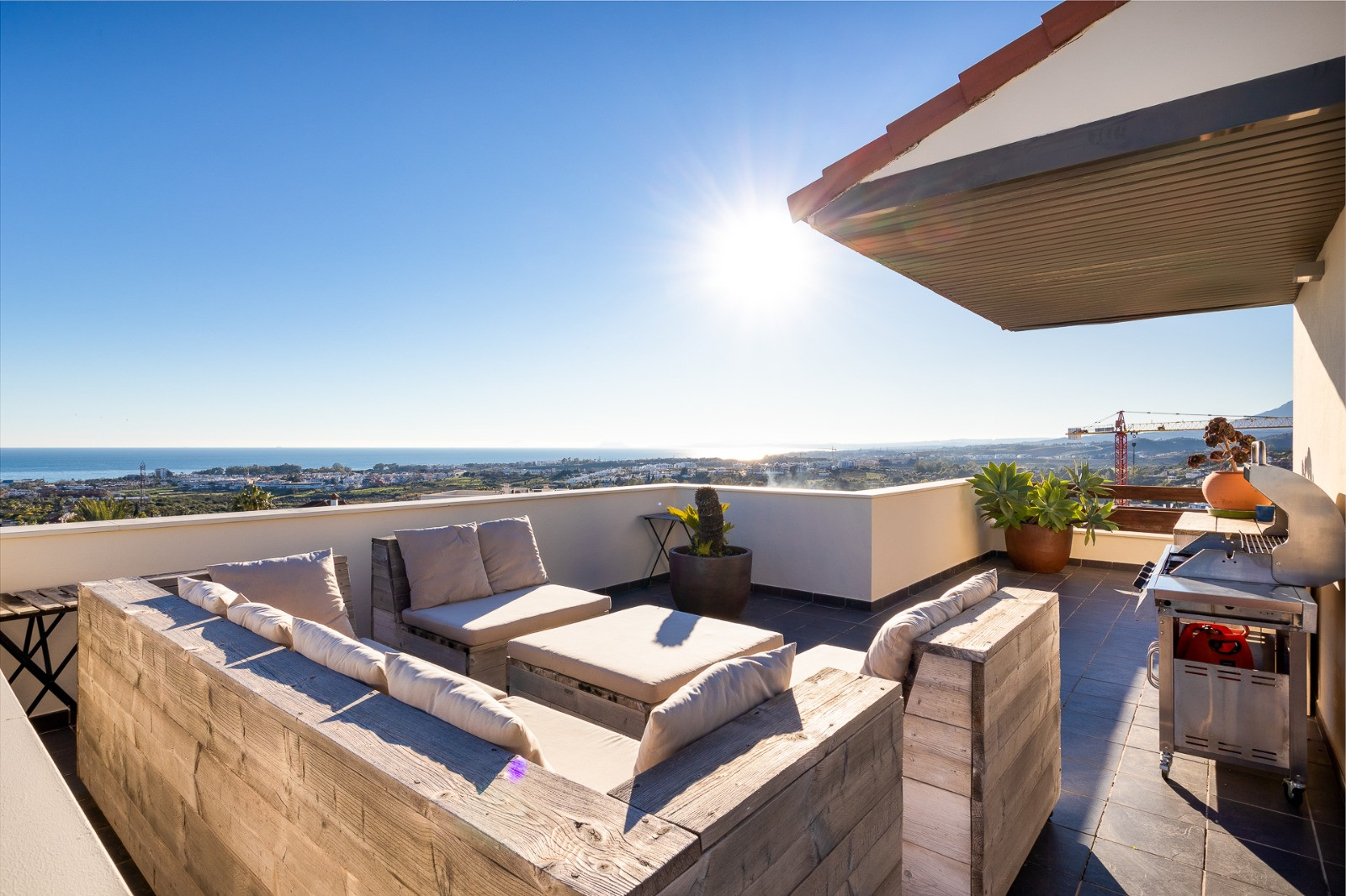 Penthouse for rent in <i>Los Flamingos, </i>Benahavis
