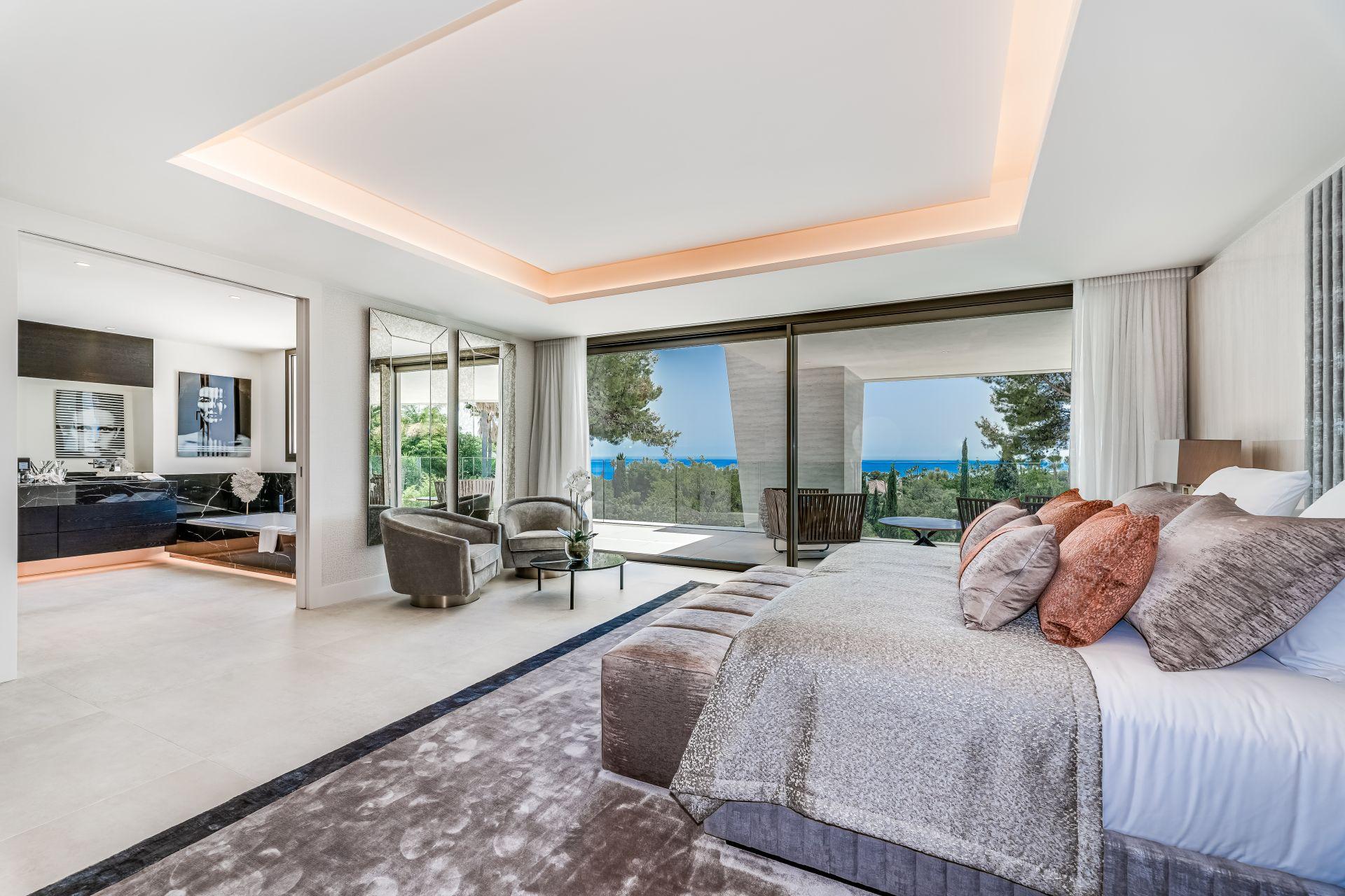 Fabulous contemporary villa key ready in Marbella Golden Mile