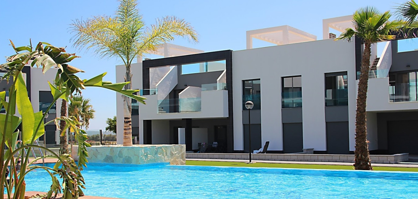 Newly built apartments close to the beach in Guardamar del Segura