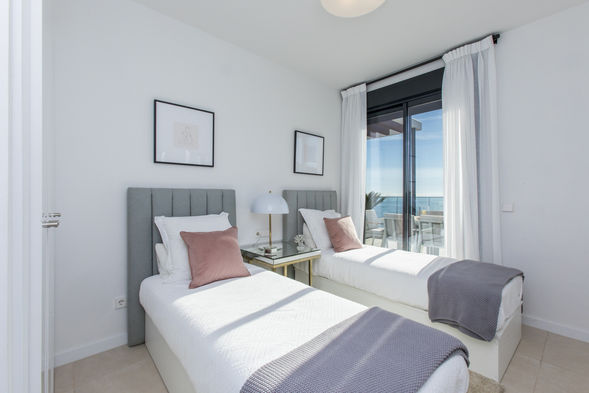 Fabulous new apartment with sea views in Fuengirola