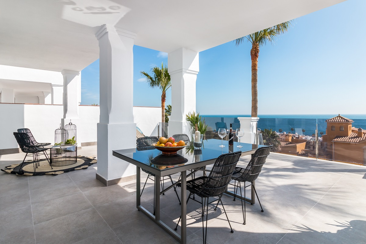 Apartments ready to move into with sea views in Manilva in Manilva