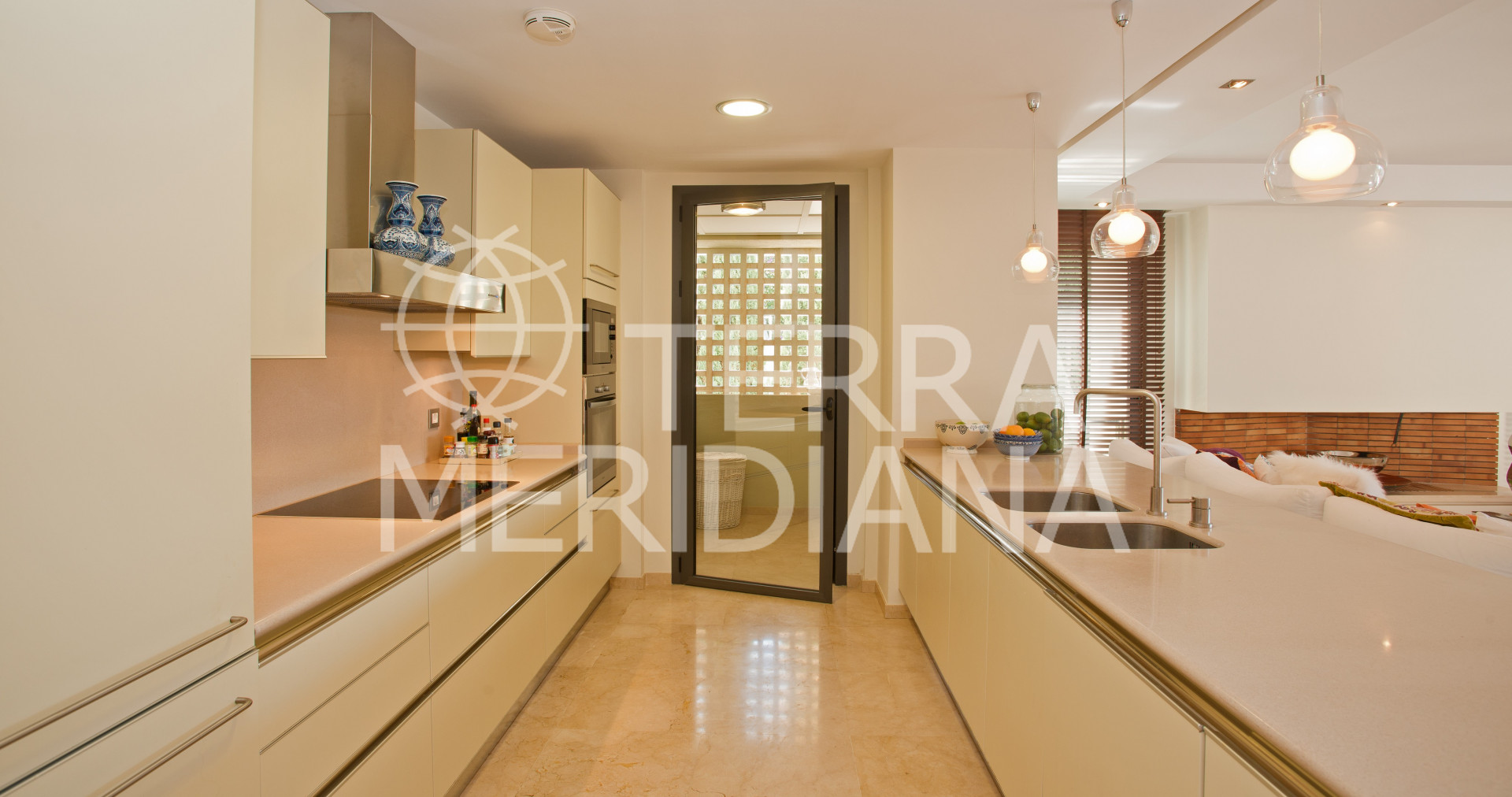 Stylish Modern Apartment In The Exclusive Gated Community