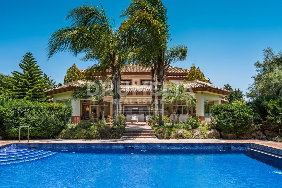 San Pedro de Alcantara, Remarkable Luxury Villa with Mediterranean vibe in Guadalmina Baja, San Pedro de Alcantara