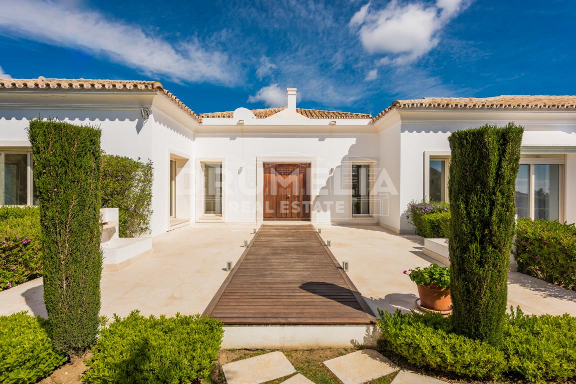 Marbella Golden Mile, Splendid villa in Altos de Puente Romano, Golden Mile