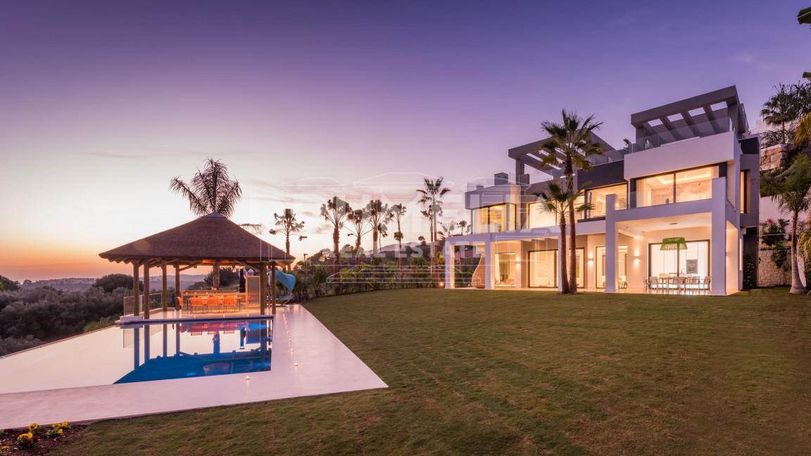 Benahavis, Stunning Luxury Brand New Contemporary Villa, Los Flamingos Golf, Benahavis