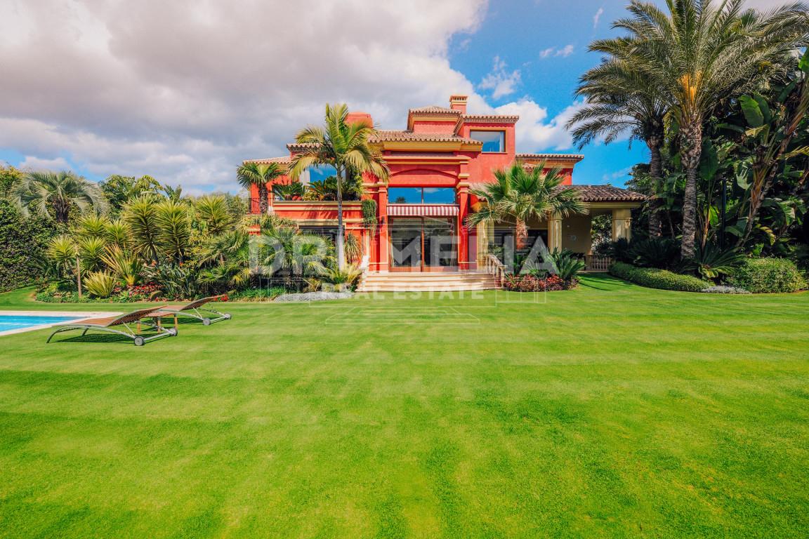 Marbella Golden Mile, Magnificent Villa in Altos de Puente Romano, Marbella Golden Mile