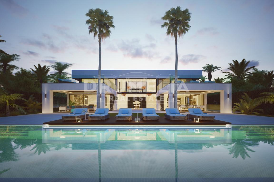 Estepona, Brand New Stunning Contemporary Beachfront Villa in El Paraiso Barronal, Estepona