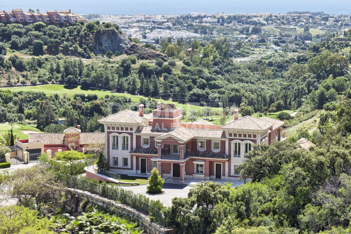 Benahavis,  New Magnificent Luxury Villa, Los Arqueros Golf Resort, Benahavis