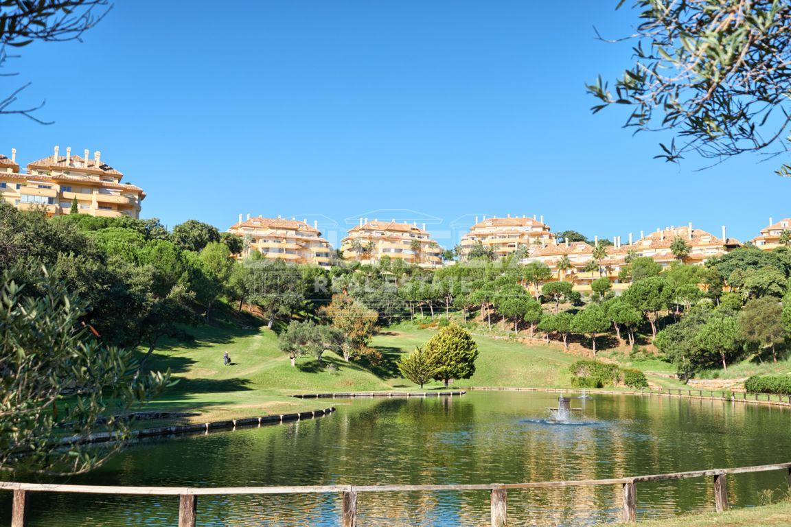 Marbella East, Delightful Luxury Apartment, Elviria Hills, Marbella East (Marbella)