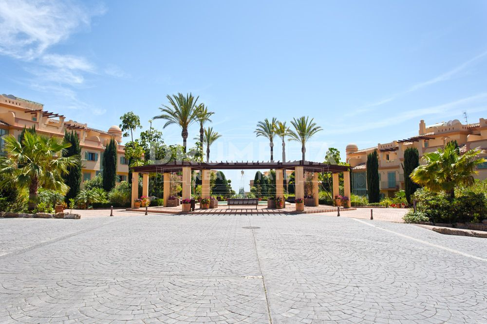 Spectacular Duplex Penthouse, Four Seasons, Los Flamingos Golf, Benahavis