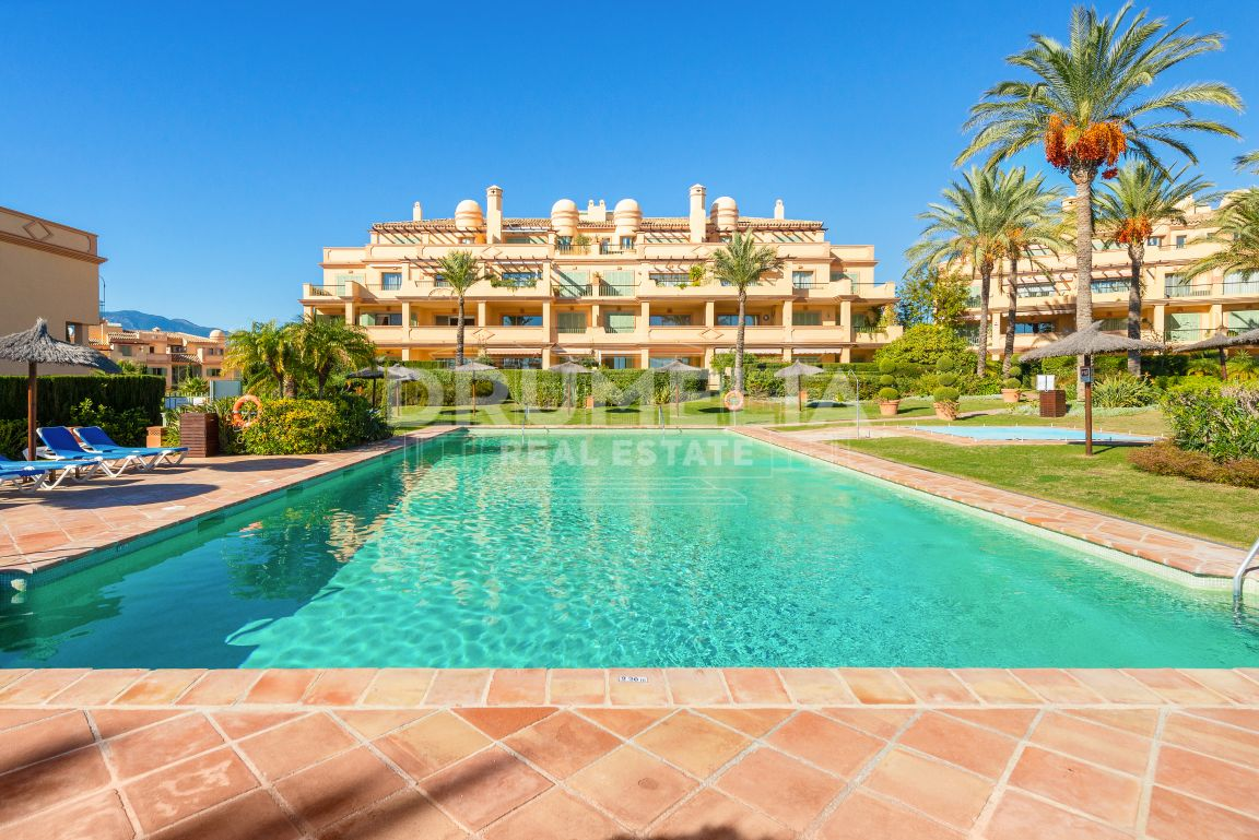 Benahavis, Wonderful Luxury Apartment in Four Seasons, Los Flamingos, Benahavis