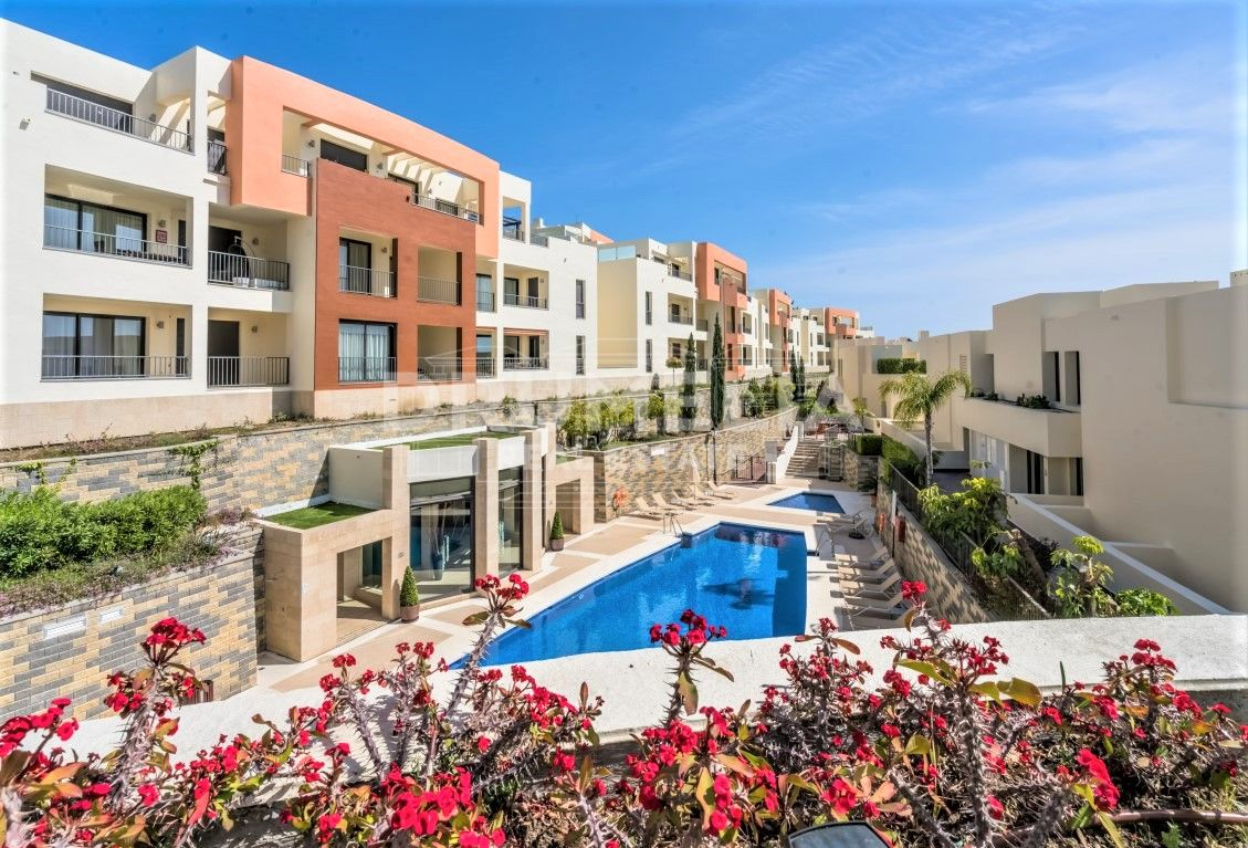 Marbella East, Modern and Stylish Luxury Apartment with Panoramic Views, Samara Resort Marbella, Altos de Los Monteros, Marbella East (Marbella)