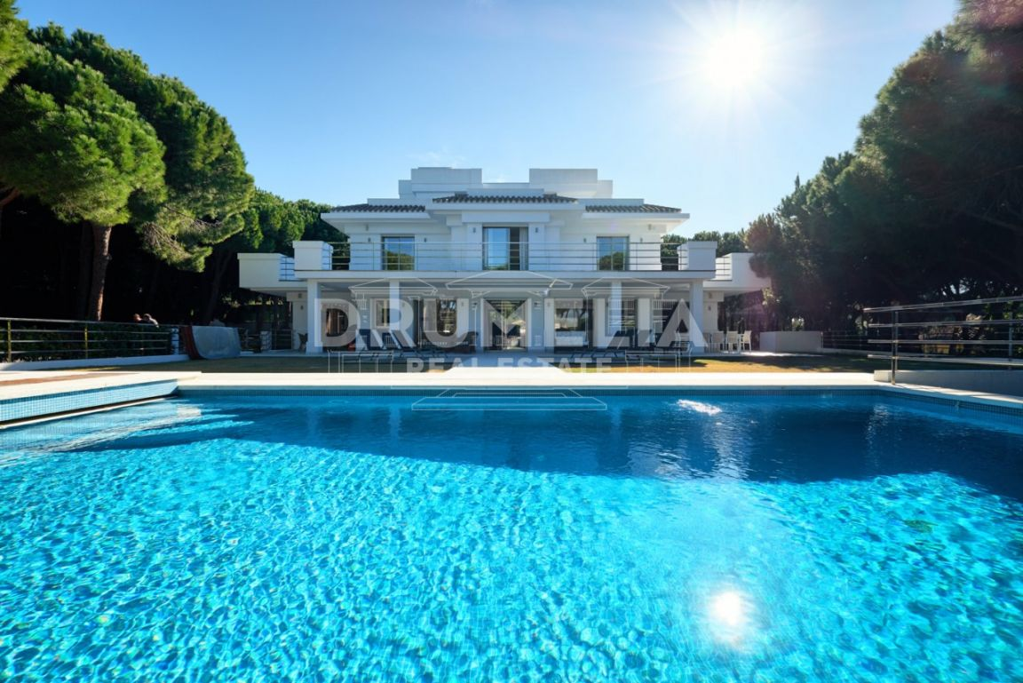 Beautiful Modern Mediterranean Luxury Villa in Hacienda Las Chapas, Marbella East (Marbella)