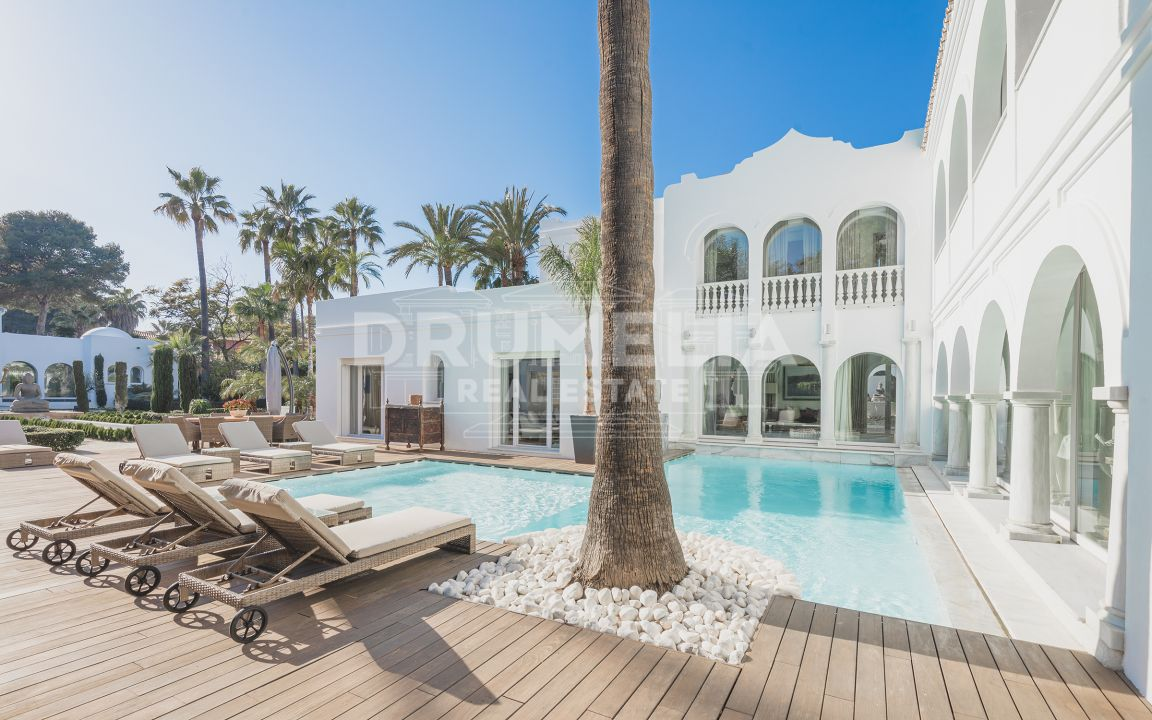Andalusian Style Villa Just a Few Metres From The Beach in Guadalmina Baja