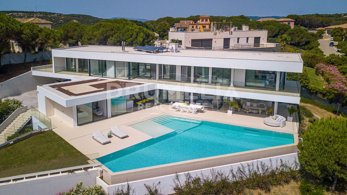 A Contemporary Masterwork in Sotogrande!