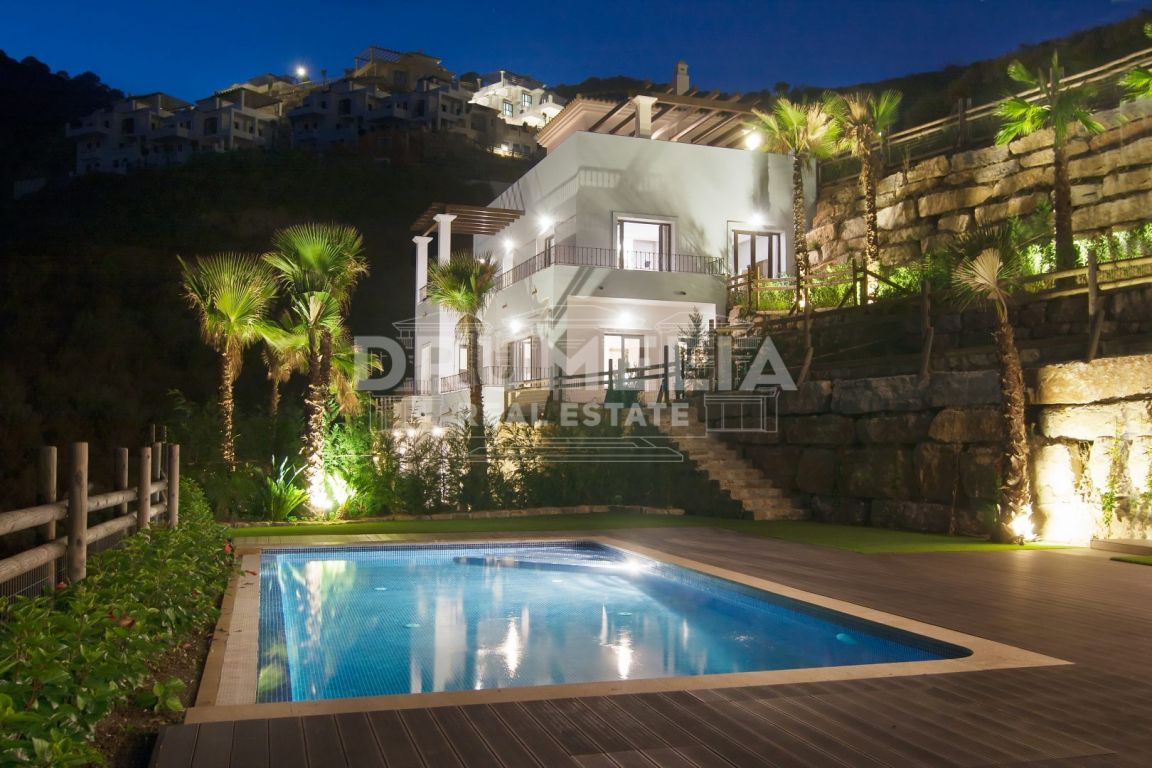 Benahavis, Elegant Modern Villa, Benahavis Hills Country Club, Benahavis