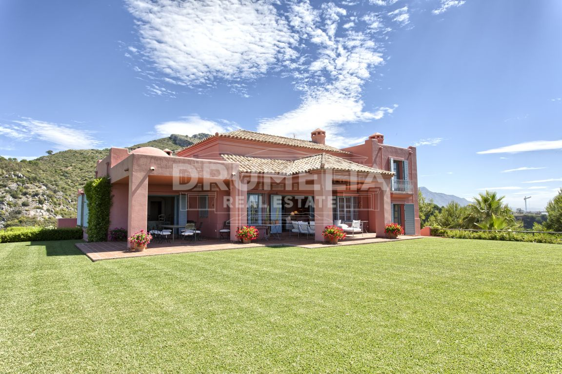 Benahavis, Magnificent Hillside Villa in Marbella Club Golf Resort, Benahavis
