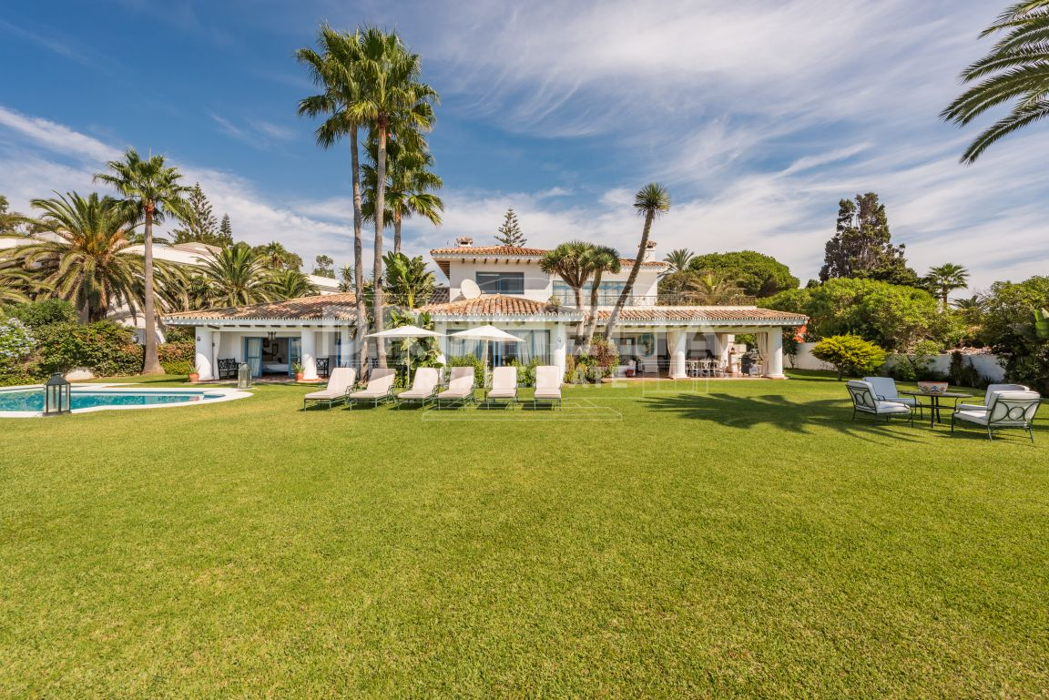 Estepona, Wonderful Beachfront Villa, Casasola, Estepona