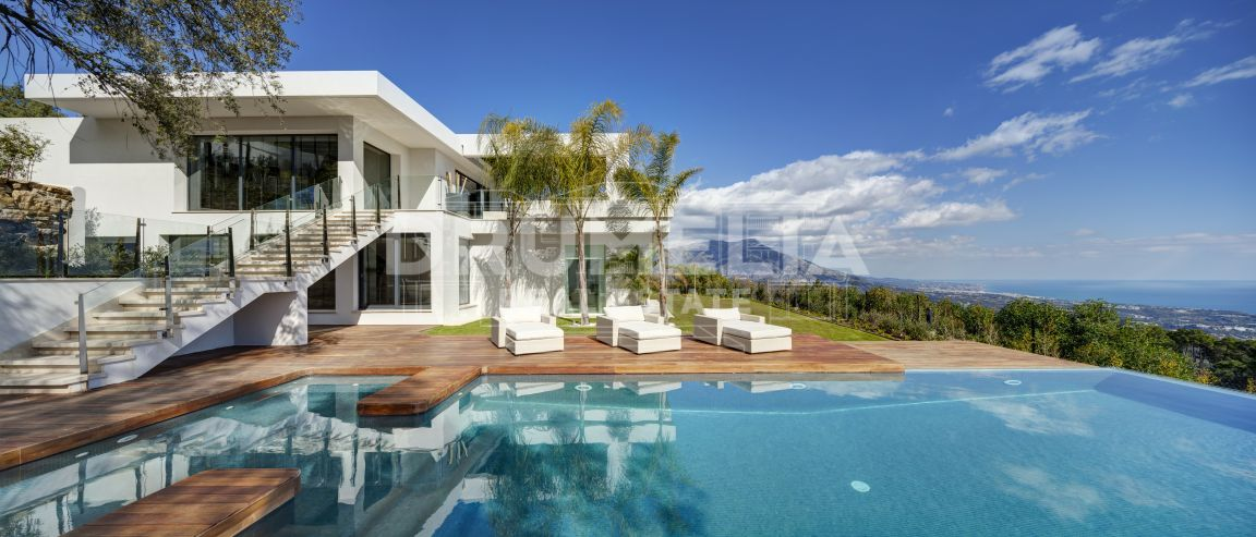 Benahavis, Stunning Contemporary Villa in La Zagaleta, Benahavis
