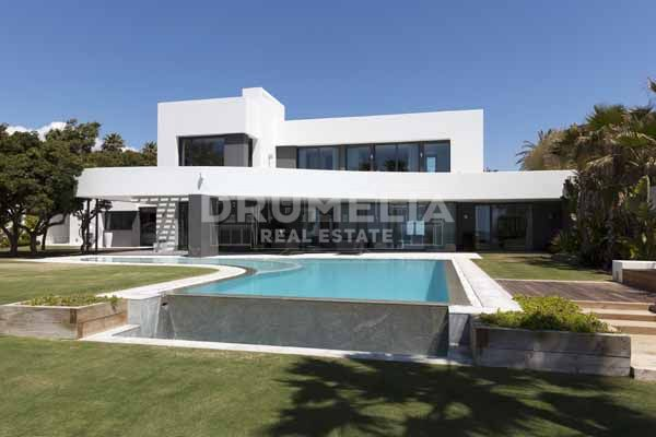 Marbella East, Stunning Contemporary Villa in Los Monteros Playa, Marbella East