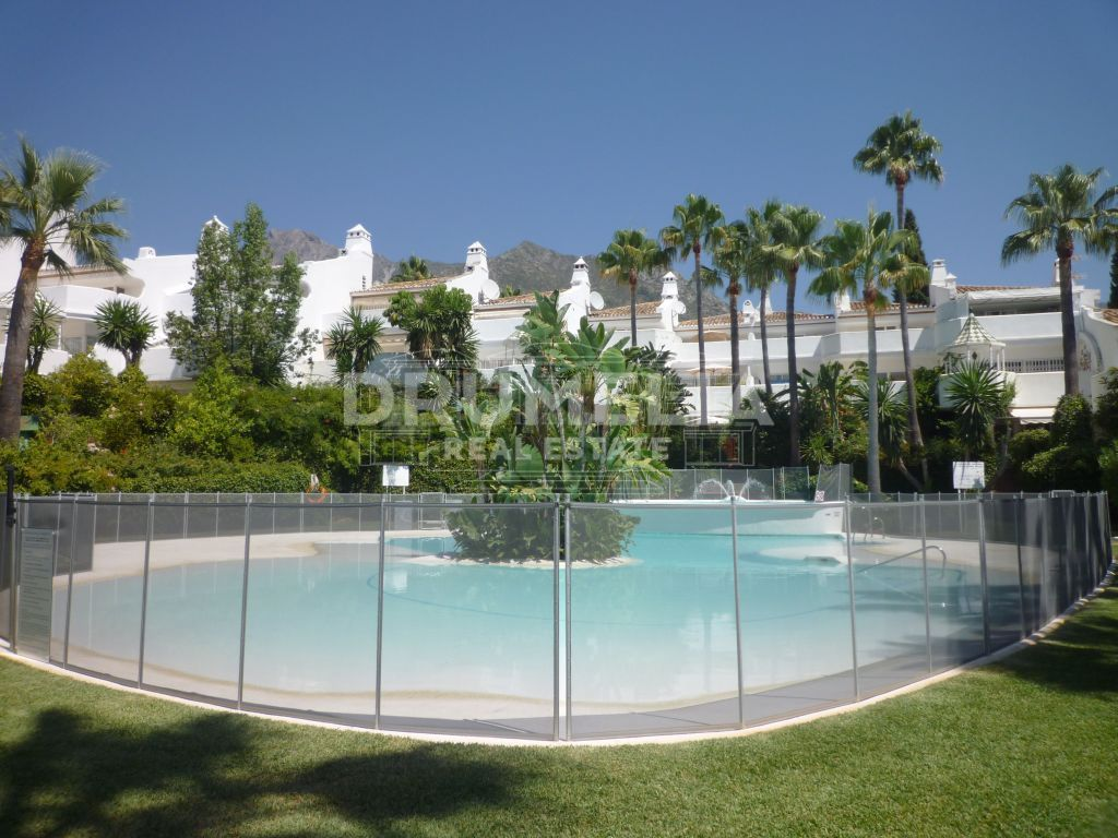 Marbella Golden Mile, Delightful Semi Detached House in Balcones de Sierra Blanca, Marbella Golden Mile