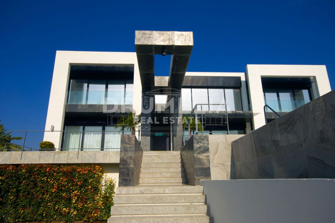 Benahavis, Stylish New Contemporary Villa in La Alqueria, Benahavis
